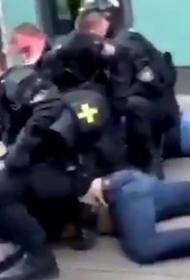 В Германии полицаи кого-то повязали