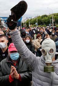 Оппозиция пригрозила Лукашенко тапочками