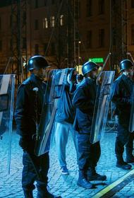 Беспорядки в США: Полиция применяет силу против чернокожих людей в 7 раз чаще, чем против белых