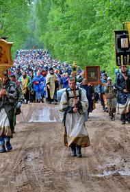 В Кировской области паломники отправились на крестный ход, несмотря на эпидемию