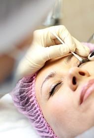 «Боимся грохнуться в обморок от теплового удара»: сотрудники салонов красоты мечтают последовать примеру тульской медсестры