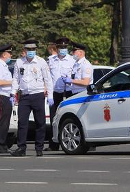 Краснодарская полиция заинтересовалась видео, где девушка прыгала по крыше машины ДПС