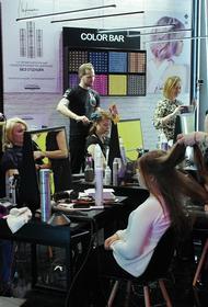 Москвичи  «обрывают» телефоны парикмахерских