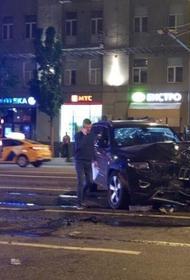«Он был практически в невменяемом состоянии», в реанимации умер водитель фургона, пострадавший в аварии с Михаилом Ефремовым