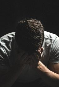 «Бросили одного на 60 пациентов»: на Камчатке у врача-уролога произошёл нервный срыв