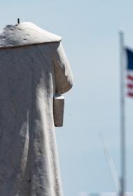 В США начали сносить памятники