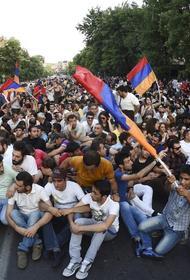 В Армении назревает очередная революция