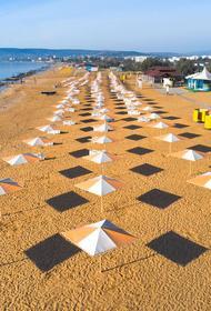 С пустого феодосийского пляжа  крымчанку  с детьми выгнал охранник, так как она отказалась  платить