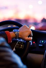 Многие россияне считают, что в автомобиле можно спастись от 5G