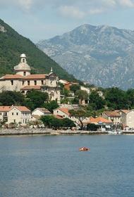 Жителей Черногории обязали носить маски в общественных местах