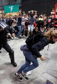 В Испании удалось избежать превращения массовых протестов в беспорядки