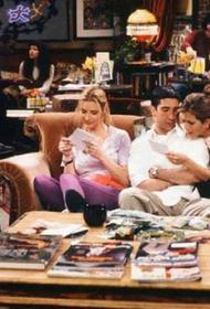 Актриса  Лиза Кудроу предупредила фанатов, что персонажи сериала «Друзья» не появятся в новом эпизоде
