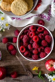 Агроном заверила, что землянику и малину можно не мыть перед едой