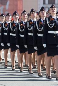 В Калининграде наградят  девушку, потерявшую во время парада туфлю
