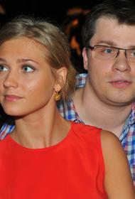 Харламов отреагировал на слухи о постановочном разводе с Асмус