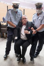Полицаи схватили беспартийного за критику и Геббельса
