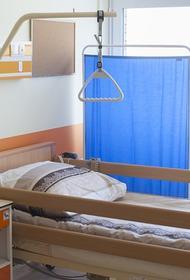 Пострадавший после падения параплана на скалы в Сочи турист скончался в больнице