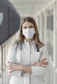 Власти Архангельской области заявили о нехватке врачей для лечения пациентов с COVID-19