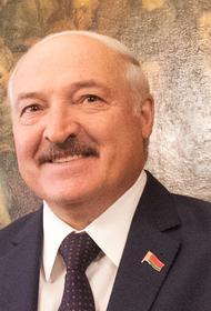 Лукашенко «похвалил» Россию за проведенный в Москве парад Победы