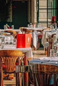 Ресторанный критик посоветовал, где лучше всего есть этим летом