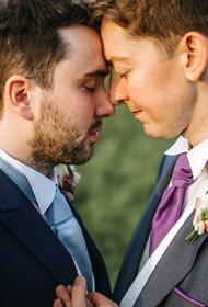 Сейм Латвии рассмотрит вопрос о регистрации однополых браков