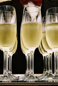 Во Франции производители шампанского обратились за помощью к государству