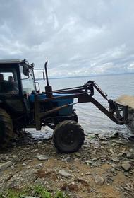 На озере Увильды сносят незаконные ограждения