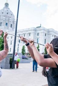 Трамп остановит финансирование штатов, в которых будет происходить осквернение памятников
