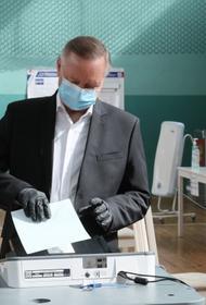 «Избыточный энтузиазм. Мы все люди», губернатор Петербурга объяснил зачем полицейский сломал руку журналисту во время голосования