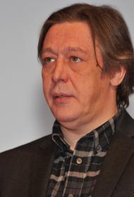 Адвокат Ефремова намекнул, что актер в момент ДТП мог быть в машине не один