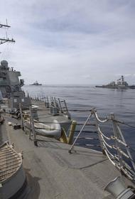 Американский эсминец Porter покидает Черное море