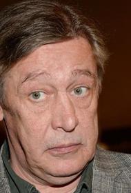 Суд взыскал с Михаила Ефремова более ста тысяч рублей