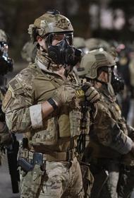 Портленд стал полем боя федералов и протестующих