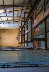 Во Владивостоке два человека пострадали при падении лифта в шахту