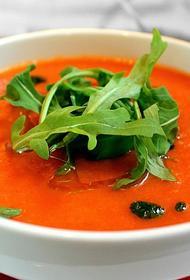 Не окрошкой единой: какие супы хорошо готовить летом