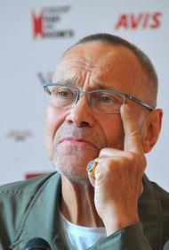 Андрей Кончаловский прокомментировал замену Александра Домогарова на Гошу Куценко в спектакле