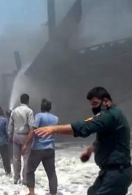 В Иране вспыхнул сильный пожар на судоверфи