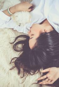 Врач рассказал, как сделать сон в жару легким и непринужденным