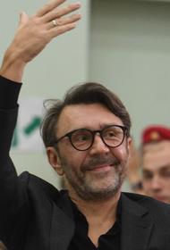 Шнуров пока не собирается избираться в Госдуму