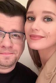 Стало известно, кто подал на развод в паре Асмус-Харламов