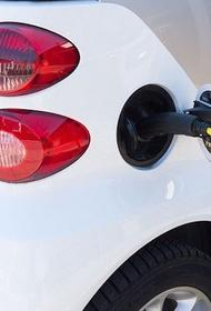 Жительница Набережных Челнов перевела мошеннику более $100 тысяч за электромобиль