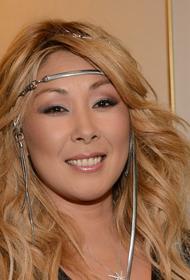 Анита Цой сообщила, что коронавирус поразил 52% ее легких