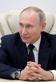 Владимир Путин присутствовал на церемонии закладки боевых кораблей для ВМФ в Керчи