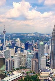 Власти Малайзии вернули двухнедельный карантин для всех въезжающих в страну
