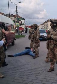 В Луцке силовики в ходе штурма задержали террориста, захватившего людей в автобусе