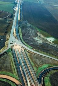 Дорога по Крыму уже сама по себе достопримечательность