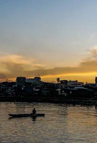 На берега Японии выбрасывает лодки со скелетами