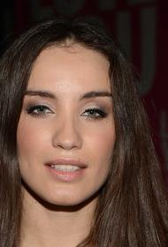 Певица Виктория Дайнеко сообщила, что «застряла» одна с ребенком в США на четыре месяца