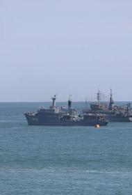 Впервые в истории России военно-морской парад состоялся в Дагестане, куда перебазировалась Каспийская флотилия