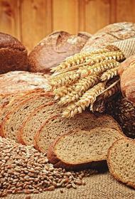 Россиянам рекомендовали меньше есть хлеб